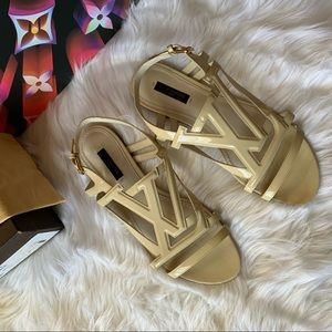 Authentic Louis Vuitton Crossing Vernis Sandals 38